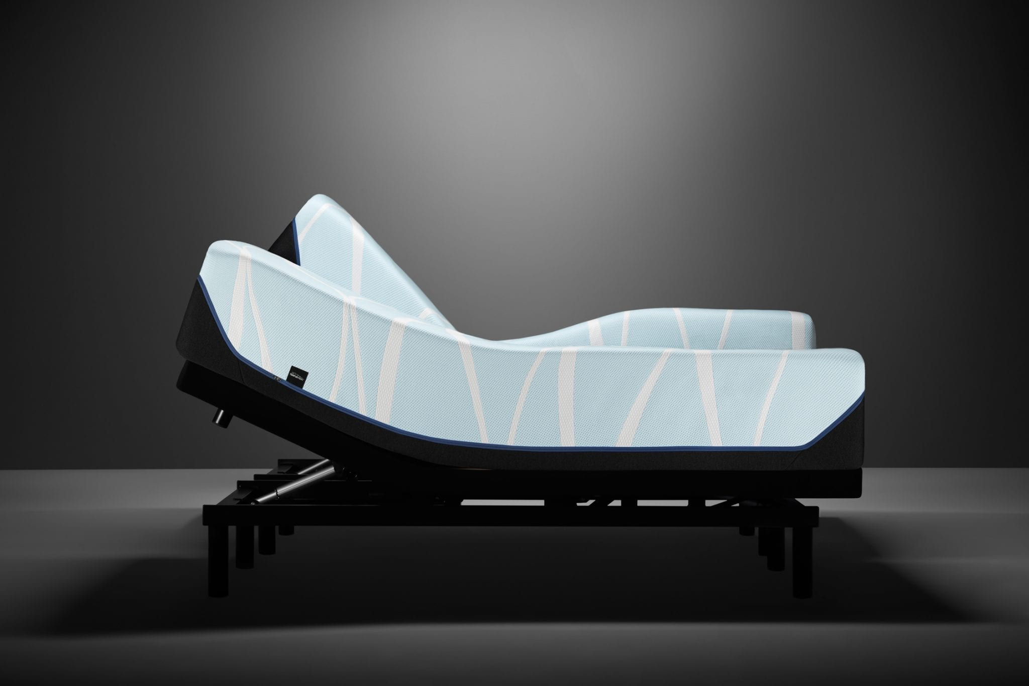 Tempur-Pedic T4 LuxeBreeze Soft SILO Adjustable Base Ergo Profile Charcoal Split King